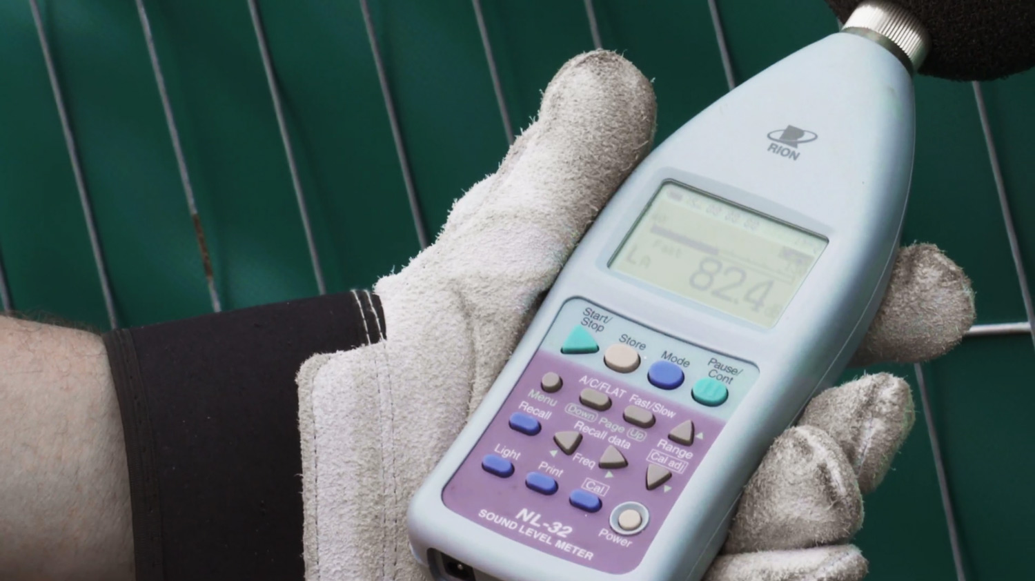 Sound level meter with frequency weighting